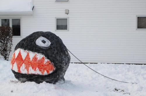 Chain Chomp snow sculpture
